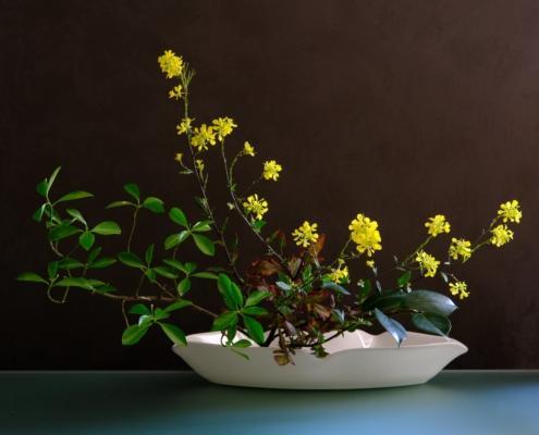 Ikebana Moribana con fiori di campo