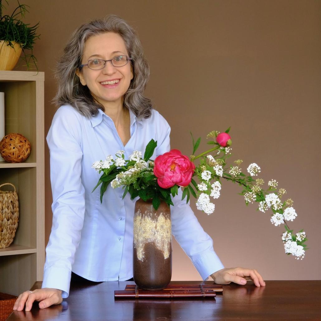 Jenny Favari insegnante di ikebana, corsi online e in presenza